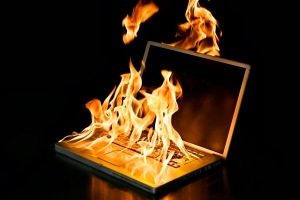 BurningLaptop02